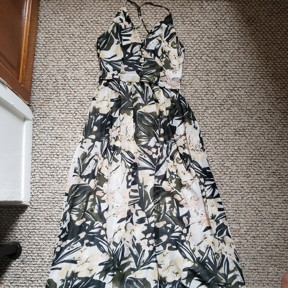 H&M Dresses & Skirts - H&M Multicolored Printed Maxi Dress